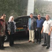 Yayasan Hadji Kalla sumbang 1 unit Mobil Toyota Avanza
